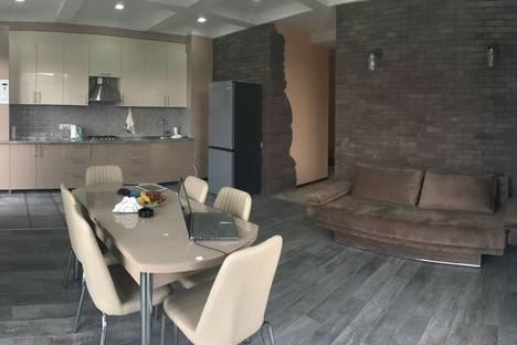 Сдается 4-комнатная квартира посуточно в Тбилиси, Tbilisi, Tsotne Dadiani Street, 7.