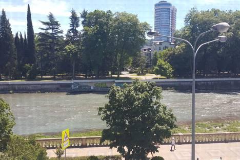 Сдается 1-комнатная квартира посуточно в Сочи, улица Чайковского, 6.
