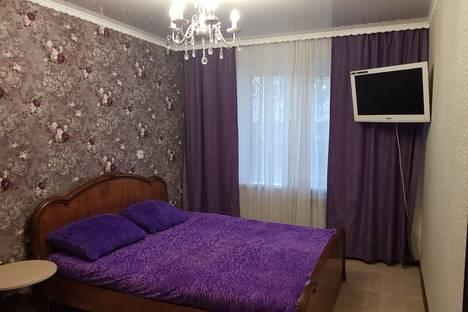 Сдается 2-комнатная квартира посуточно в Новокузнецке, улица Кутузова 43.