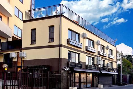 Сдается 1-комнатная квартира посуточно в Сочи, улица Лермонтова, 8.