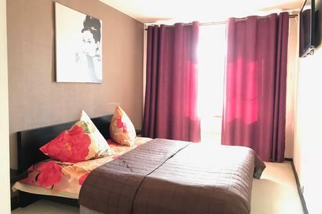 Сдается 2-комнатная квартира посуточно в Мытищах, улица Комарова, 1.
