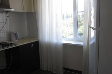 Сдается 2-комнатная квартира посуточно в Гагре, Алахадзи.