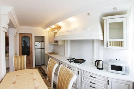 Сдается 2-комнатная квартира посуточно в Сочи, островского 17.