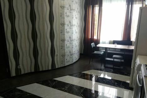 Сдается 3-комнатная квартира посуточно в Геленджике, Уральская улица, 1.