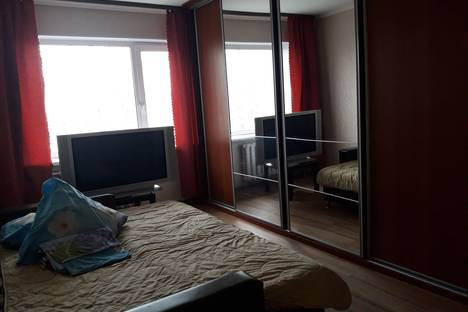 Сдается 1-комнатная квартира посуточно в Нефтеюганске, .10микр 29дом.