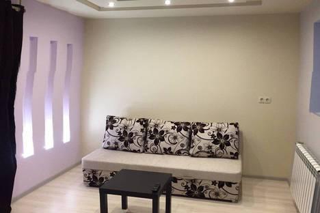 Сдается 1-комнатная квартира посуточно в Макеевке, центральная 1.