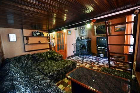 Сдается 2-комнатная квартира посуточно в Ялте, улица Игнатенко, 7.