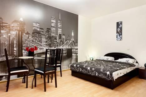 Сдается 1-комнатная квартира посуточно в Гатчине, улица Урицкого, 31.