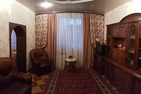 Сдается 4-комнатная квартира посуточно в Нижнем Новгороде, улица Июльских Дней 16.