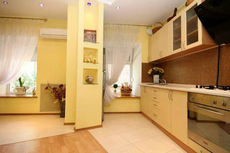 Сдается 3-комнатная квартира посуточно в Одессе, Одеса, вулиця Грецька, 20.