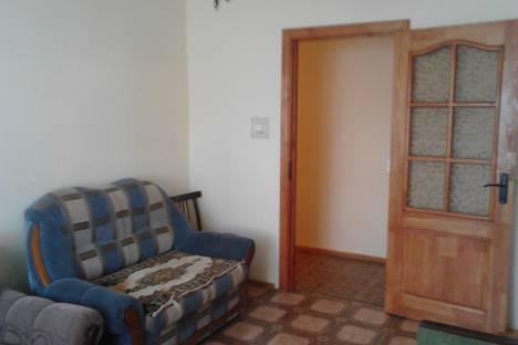 Сдается 3-комнатная квартира посуточно, квартал Б, 10.