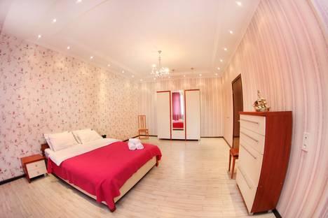 Сдается 3-комнатная квартира посуточно в Алматы, улица Навои, 70.