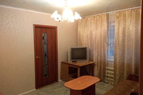 Сдается 2-комнатная квартира посуточно в Златоусте, проспект имени Ю.А. Гагарина, 7 линия, дом 7.