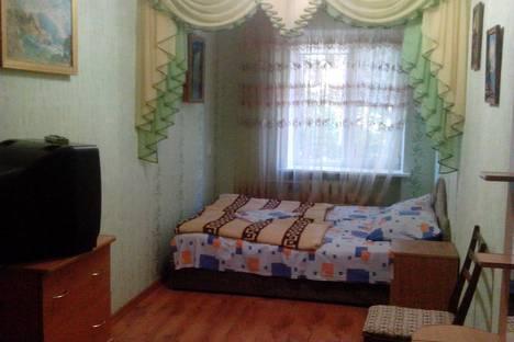 Сдается 2-комнатная квартира посуточно в Партените, ул.Солнечная 9.