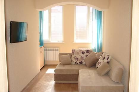 Сдается 1-комнатная квартира посуточно в Севастополе, проспект Античный, 52.