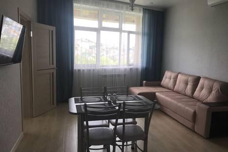 Сдается 2-комнатная квартира посуточно в Адлере, Большой Сочи, улица Ленина, 219.