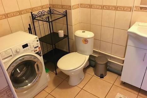 Сдается 1-комнатная квартира посуточно в Казани, ул. Чистопольская, д. 12.
