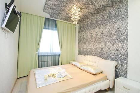 Сдается 2-комнатная квартира посуточно в Сургуте, улица Крылова 30.