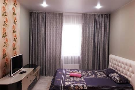 Сдается 1-комнатная квартира посуточно в Сургуте, ул. Александра Усольцева, 30.