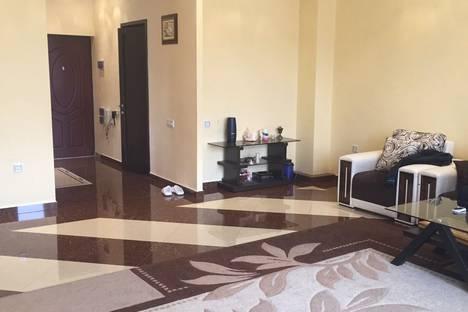 Сдается 4-комнатная квартира посуточно в Ереване, Yerevan, Sayat-Nova Avenue 40/1.