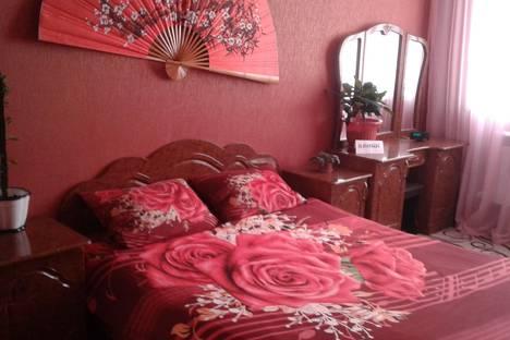 Сдается 2-комнатная квартира посуточно в Армавире, улица Кирова, 49.