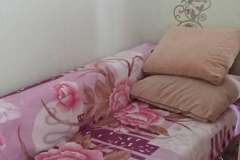 Сдается 2-комнатная квартира посуточно в Яровом, квартал Б, 17.