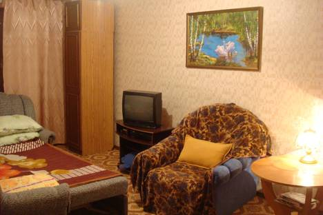 Сдается 1-комнатная квартира посуточно в Новотроицке, Уральская улица, 9.