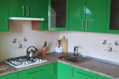 Сдается 2-комнатная квартира посуточно в Алуште, улица Пуцатова, 18А.