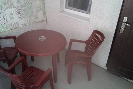Сдается 4-комнатная квартира посуточно в Керчи, улица Строителей, 55.