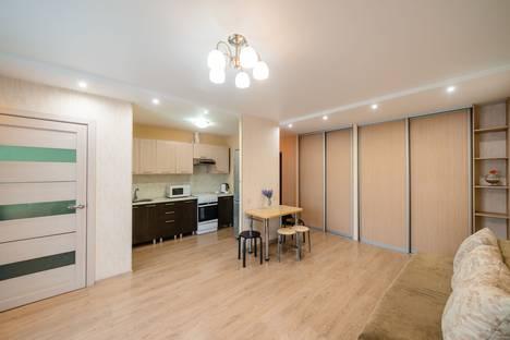 Сдается 2-комнатная квартира посуточно во Владивостоке, улица Жигура, 26.