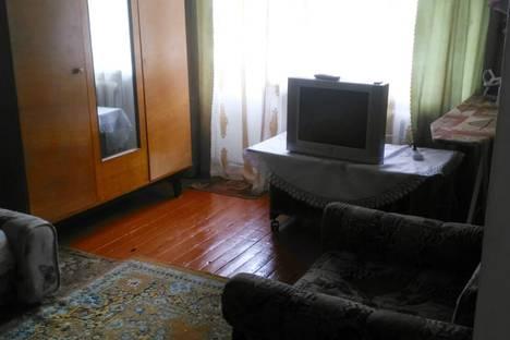 Сдается 1-комнатная квартира посуточно в Яровом, квартал Б, 21.