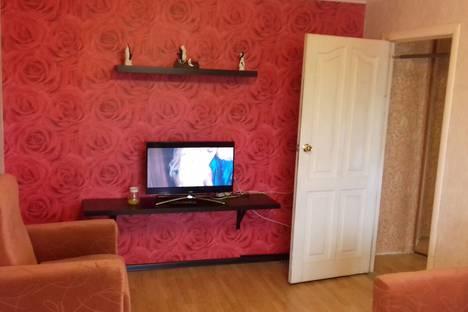 Сдается 2-комнатная квартира посуточно в Нижнем Тагиле, проспект Мира, 8.