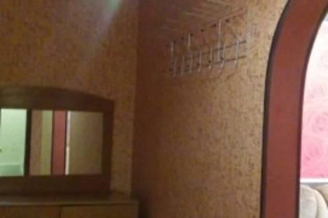 Сдается 2-комнатная квартира посуточно в Шахтах, улица Шурфовая 99б.