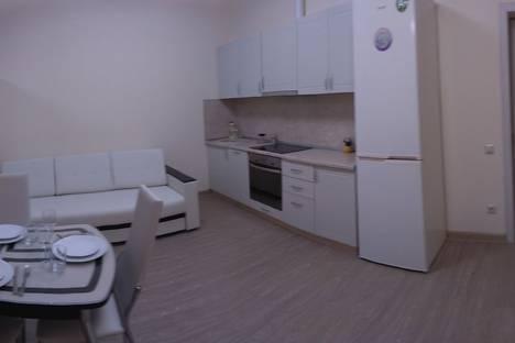 Сдается 2-комнатная квартира посуточно в Сочи, улица Войкова, 21.