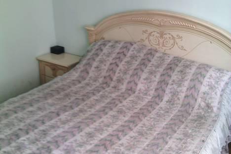 Сдается 2-комнатная квартира посуточно в Красногорске, Ильинский бульвар, 2а.