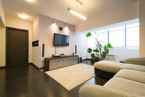Сдается 2-комнатная квартира посуточно в Алматы, улица Наурызбай Батыра, 37.