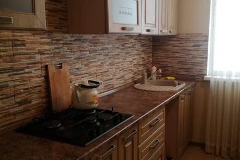 Сдается 2-комнатная квартира посуточно в Сочи, улица Орджоникидзе, 18.