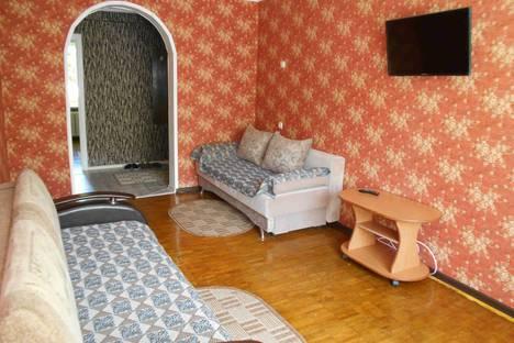 Сдается 3-комнатная квартира посуточно в Сызрани, улица Володарского, 14.