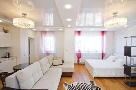 Сдается 1-комнатная квартира посуточно в Сургуте, проспект Ленина, 18.