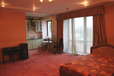 Сдается 1-комнатная квартира посуточно в Кемерове, Октябрьский проспект, 20А.