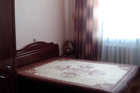 Сдается 2-комнатная квартира посуточно в Саках, улица Революции.