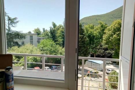 Сдается 1-комнатная квартира посуточно в Партените, Прибрежная 7.
