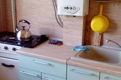 Сдается 2-комнатная квартира посуточно в Дзержинске, улица Пирогова, 33.