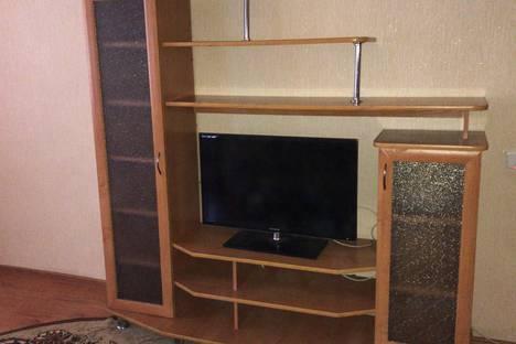 Сдается 3-комнатная квартира посуточно в Яровом, улица 40 Лет Октября, 4.