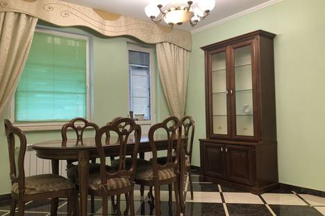 Сдается 3-комнатная квартира посуточно в Сочи, улица Ландышевая, 12.