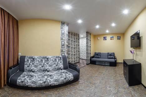 Сдается 2-комнатная квартира посуточно, проспект Карла Маркса, 13.