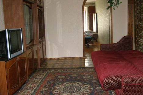 Сдается 1-комнатная квартира посуточно в Саках, улица Ленина 27.