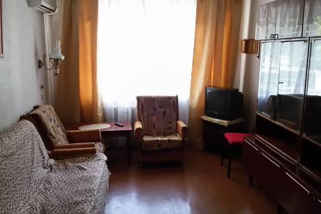 Сдается 3-комнатная квартира посуточно в Мирном, Евпатория ,пр-т Мира д.4.