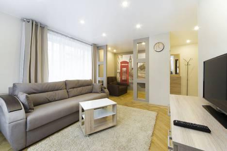 Сдается 1-комнатная квартира посуточно в Санкт-Петербурге, улица Пилотов, 19.