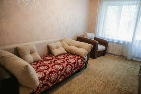 Сдается 2-комнатная квартира посуточно, улица Советская, 5.